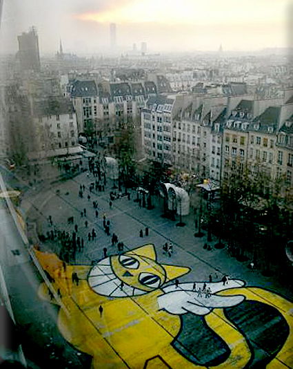 M. Chat at the Pompidou Center
